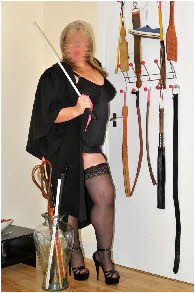 Strict domme offering discipline and bondage in Scotland